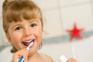 Edukasi Gigi Cegah Karies dan Rumpang