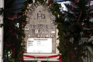 Persiapan Gereja Katedral Bogor Rayakan Misa Natal
