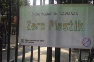 Kurangi Sampah Plastik, Dinas LH Bekasi akan Kampanye di Pusat Perbelanjaan
