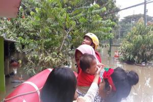 PMI Kerahkan 400 Relawan Tangani Korban Banjir Jabodetabek