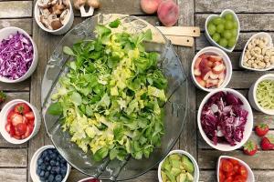 Cegah Kanker Kolorektal dengan Sayur dan Buah