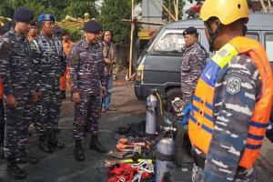 Lanal Cirebon Siagakan Personelnya