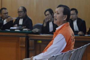 Sidang Perdana, Jaksa Dakwa Iwa Karniwa Minta Uang Rp1 miliar untuk Kampanye