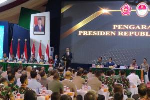 Jokowi Tingkatkan Usia Pensiun TNI Menjadi 58 Tahun