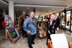 Kunker ke Bandung, Dubes Arab Saudi Kunjungi Tahura dan Kerabat Store