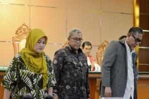Neneng Hassanah Yasin Jadi Saksi di Sidang Iwa