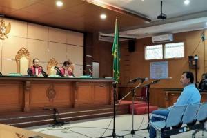 Terbukti Bersalah, Jaksa KPK Tuntut Iwa 6 Tahun Penjara