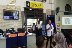 KAI Daop 3 Cirebon Sediakan 'Hand Sanitizer'