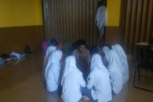 Siswa SMK IT Itihad Cianjur Berkirim Surat ke Ridwan Kamil