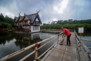 Disparbud Jabar Susun Kebijakan Pariwisata Pascacorona