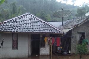Sungai Cibarengkok Meluap, Rumah Warga Kebanjiran