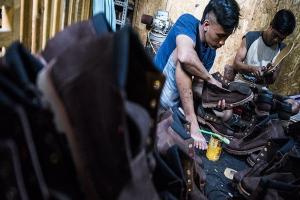 Ribuan Pekerja Industri Kulit di Garut Dirumahkan