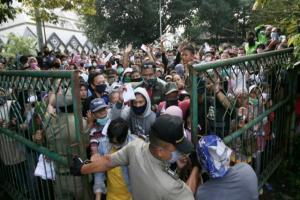 Ricuh Pembagian Sembako di Baznas Cibinong, Bupati Layangkan Teguran