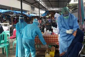 Pemkab Cirebon Tes 'Swab' Pedagang di Pasar Tradisional