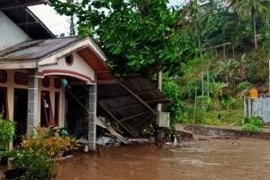 Minahasa Tenggara Sulut Dilanda Banjir Bandang