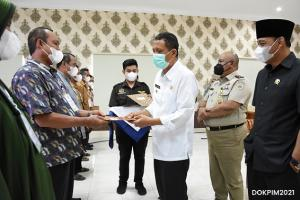 Pemkab Pangandaran Salurkan 641 Sertifikat Redistribusi Tanah