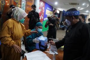 Pemkot Bandung Gandeng Kadin Vaksinasi Para Pelaku UMKM