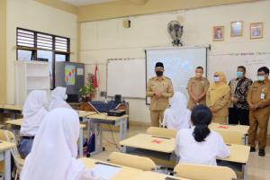 Sekolah Langgar Prokes Covid-19, Pemkot Depok Stop PTMT