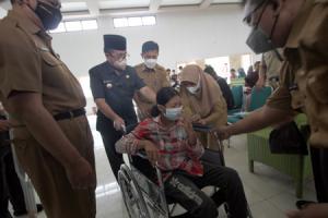 150 Penyandang Disabilitas Kab. Cirebon Terima Alat Bantu Fisik Hingga Sensori