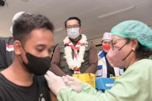 Gubernur Jabar Minta Sekolah Dijadikan Sentra Vaksinasi Covid-19