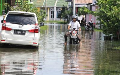 Pemprov Jabar Berkomitmen untuk Normalisasi Sungai