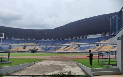 Wakil Wali Kota Bandung Serahkan Izin Penggunaan GBLA ke Polisi