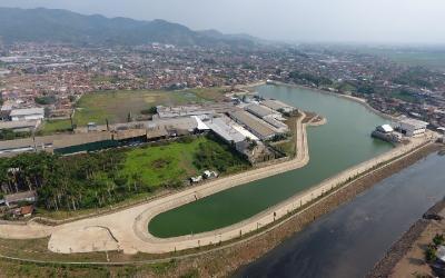 Kolam retensi di Andir Kabupaten Bandung ditargetkan selesai pada akhir 2021