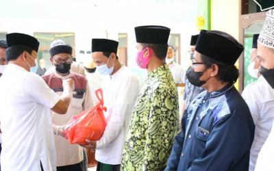 LKKS Kabupaten Tangerang Terima Ratusan Paket Sembako