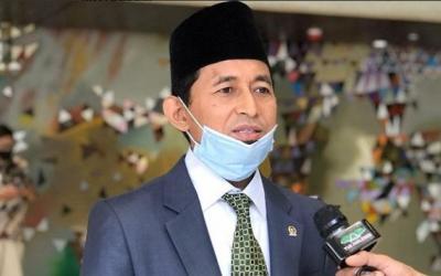 DPR Desak Pemerintah Batalkan Syarat Naik Pesawat Wajib PCR