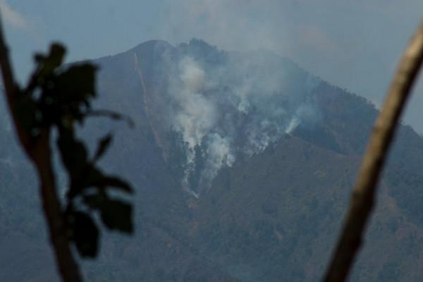 Kebakaran Lahan di Bandung Meluas