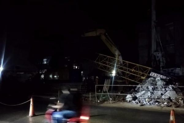Lengan 'Crane' di Proyek Tol BORR Patah